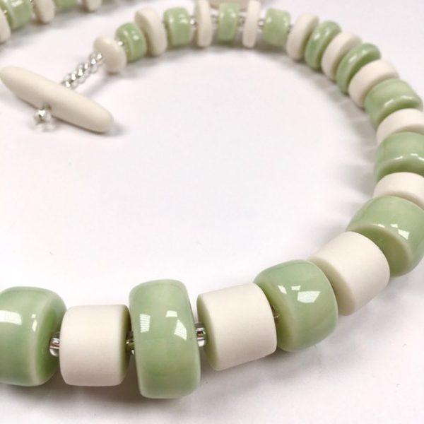 detail collier porcelaine belisame