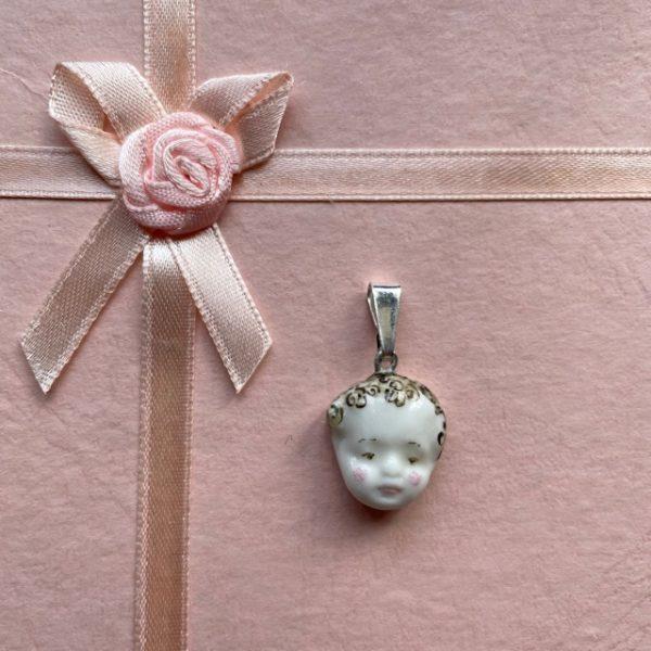 belisame creations amulette visage enfant 4